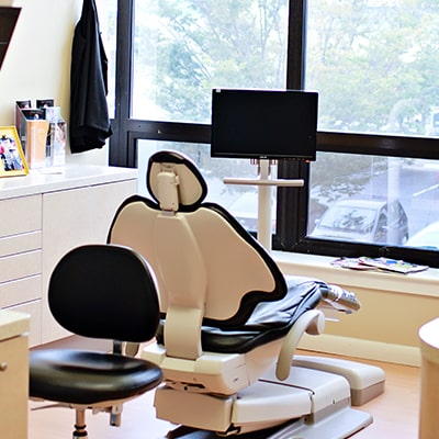 Charlottesville clean, comfortable, and modern dental rooms are ready for you to visit